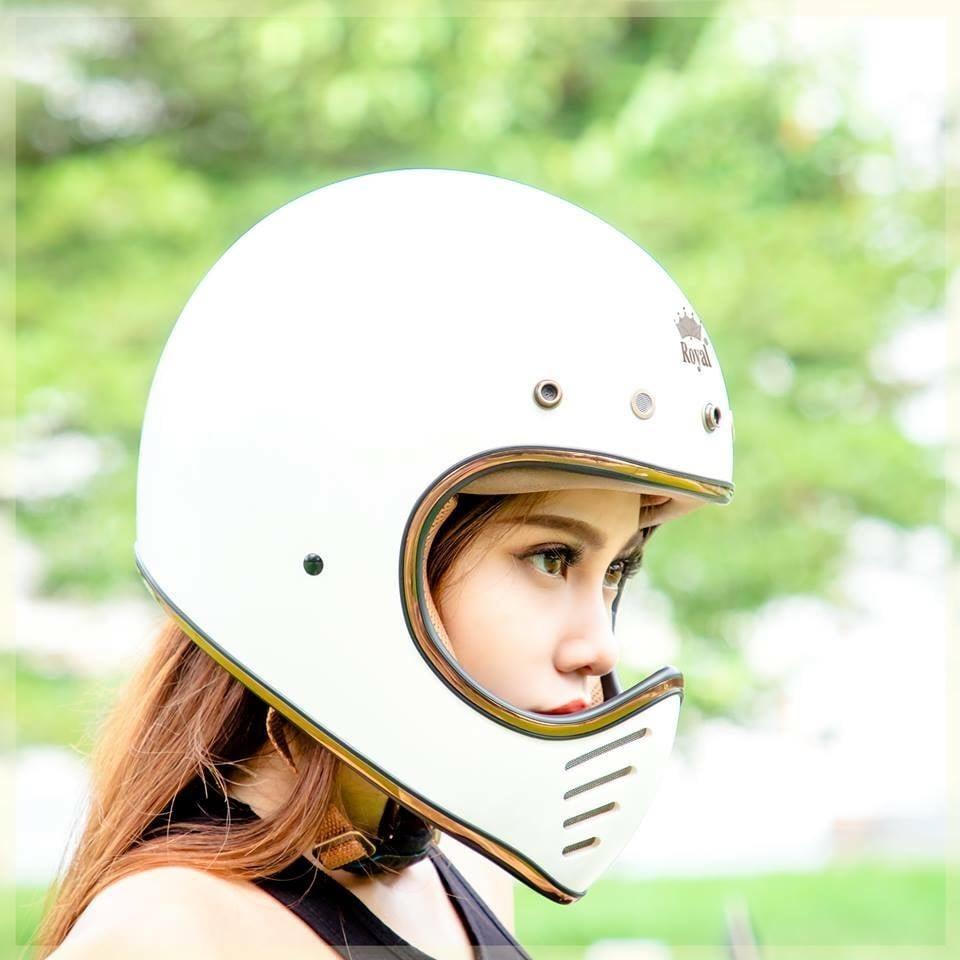 Mũ bảo hiểm phượt