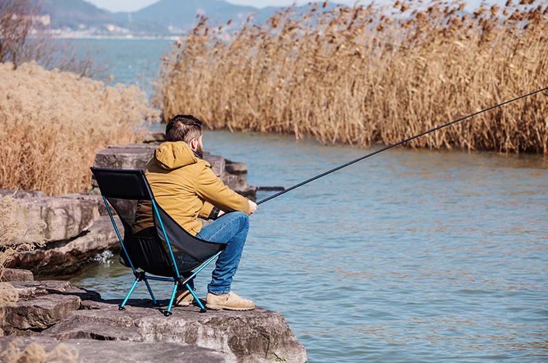 Tư thế ngồi ghế câu cá chiếm 90% thời gian câu của cần thủ
