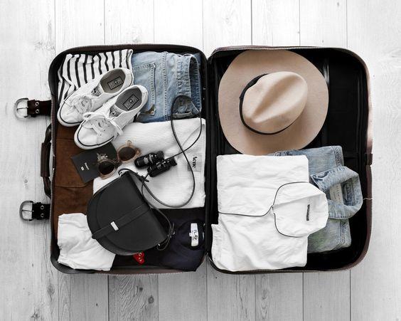 chuẩn bị đồ cho chuyến du lịch